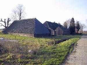 Oude boerderij. Van Dijk IJzerbroek jan04.jpg