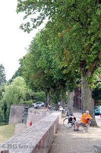Grave kade aan Maas.jpg