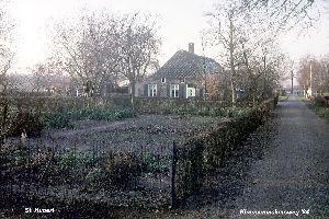 Oude boerderij+moestuin 1984 Gineke Klomp St Hubert.jpg