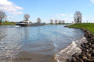 Water: Maas bij Oeffelt.jpg